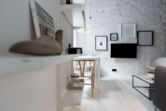 living-how-to-maximize-sunlight-in-small-apartment-a2