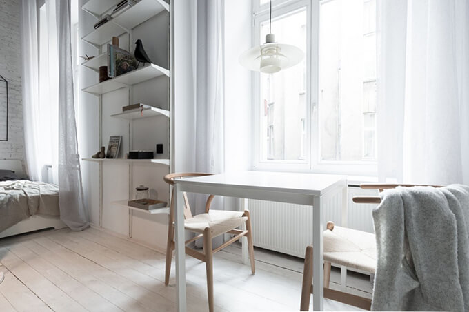 living-how-to-maximize-sunlight-in-small-apartment -b1