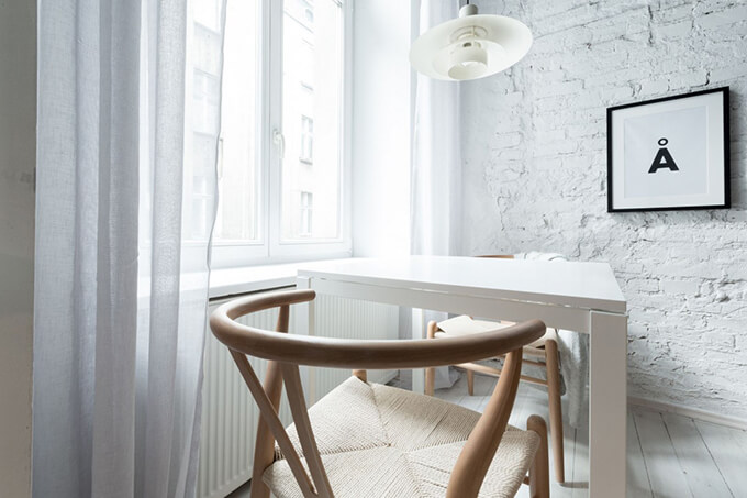 living-how-to-maximize-sunlight-in-small-apartment-c1