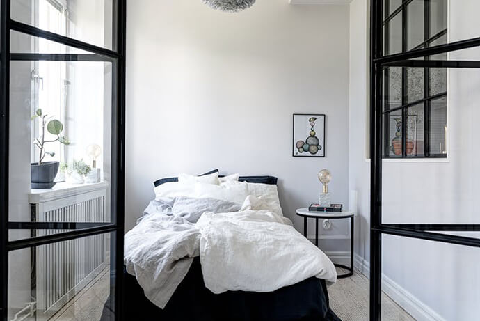 living-a-boyish-girl-tiny-stockholm-apartment-3