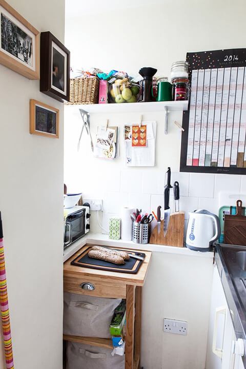 a-tiny-270-square-foot-shared-london-studio-10