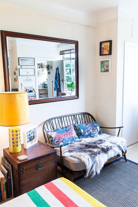 a-tiny-270-square-foot-shared-london-studio-2