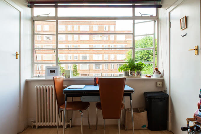 a-tiny-270-square-foot-shared-london-studio-3