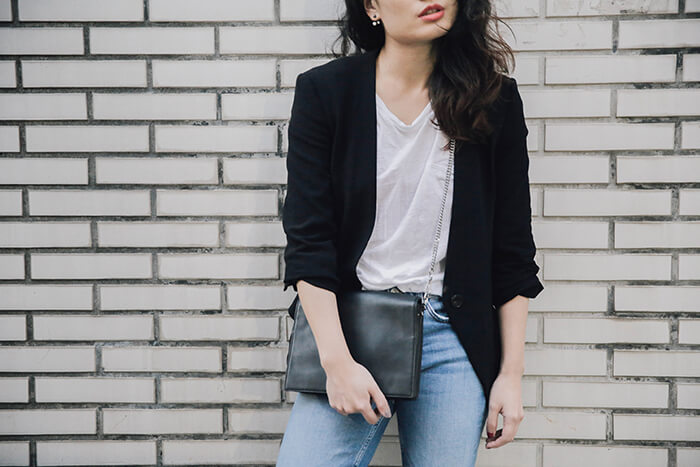 outfit-guide-to-wearing-jeans-at-work-13