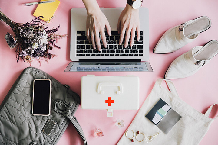 beauty-5-things-you-should-have-in-a-career-first-aid-kit-cover