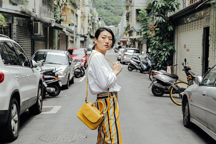 outfit-wear-yellow-to-work-13